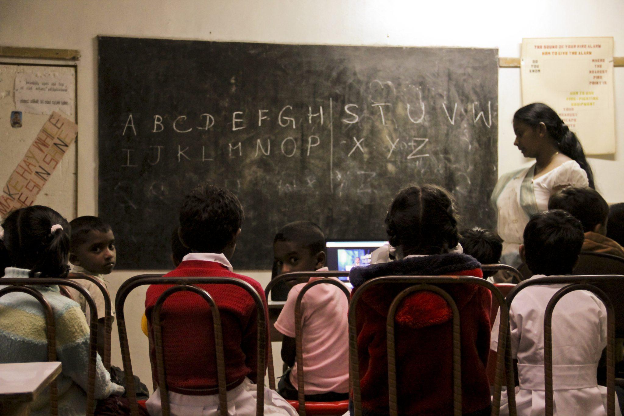 Die Schüler*innen der verschiedenen Volksgruppen lernen gemeinsam im Diyanilla Technical Institute